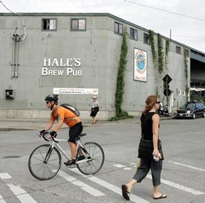 Bike traffic mingles with foot traffic on the Burke-Gilman near Hale's Brew Pub in